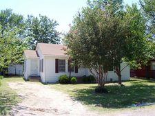 907 Edgewood St, Ennis, TX 75119