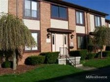 1975 Michigan Ave Apt C31, Marysville, MI 48040