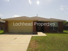 111 Stoney Creek Ln, Terrell, TX 75160