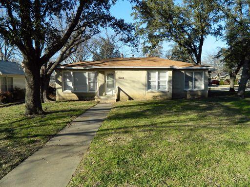 315 Parkview Dr, Arlington, TX 76010