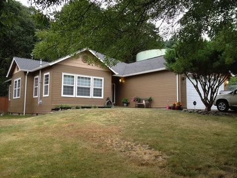 975 S 69th Pl, Springfield, OR 97478