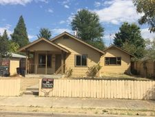 16 Myers Ct, Medford, OR 97501