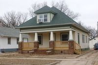 628 E 5th Ave, Hutchinson, KS 67501