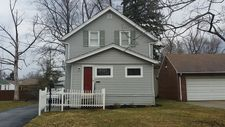 733 High St, Bedford Heights, OH 44146