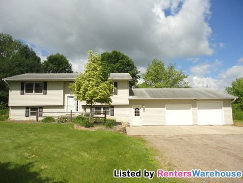 9733 Bechtold Rd, Rogers, MN 55374