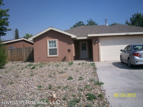 3305 Trailing Heart Rd, Roswell, NM 88201