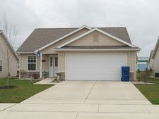 202 Novelty St, Plymouth, IN 46563