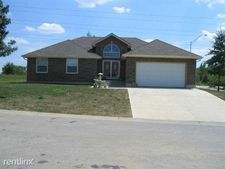 3926 Sw Briarwood Oaks Cir, Blue Springs, MO 64015