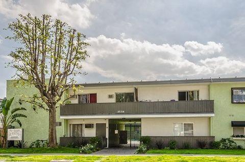 20316 Cohasset St, Winnetka, CA 91306