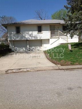 1708 Se Oak St, Oak Grove, MO 64075