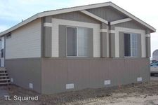 318 20th St W, Rosamond, CA 93560