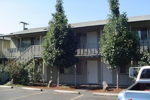 711 Mill St Apt 4, Springfield, OR 97477