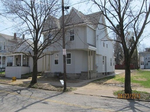 335 W 4th St Apt 335rear Erie Pa 16507 Home Or Apartment For Rent 3650408123