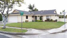 12081 Pine St, Los Alamitos, CA 90720