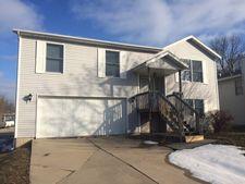 16 Edgewood Ct, Bloomington, IL 61701