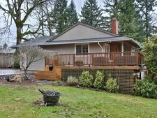 2095 Valley View Dr, West Linn, OR 97068