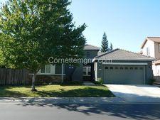 831 Fountain Dr, West Sacramento, CA 95605