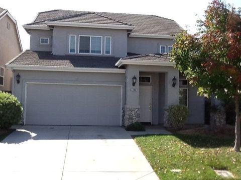 2762 Donner Trl, Riverbank, CA 95367