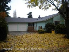 758 71st St, Springfield, OR 97478