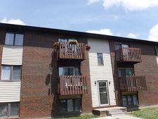 1919 Tracy Dr-1919 Tracy Dr Apt 10, Bloomington, IL 61704