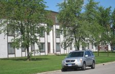 230 Barbara Ave Apt 215, Detroit Lakes, MN 56501