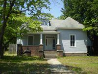 426 Champlain St, Hamlet, NC 28345