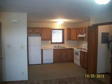 810 Coolidge St Apt I, Great Bend, KS 67530