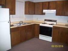 810 Coolidge St Apt D, Great Bend, KS 67530