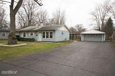 5811 Hollybrook Ln E, Sylvania, OH 43560
