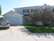 2521 S 40th St, Grand Forks, ND 58201