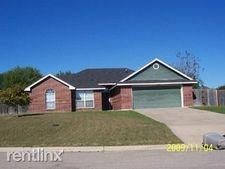 1517 Port Dr, Harker Heights, TX 76548