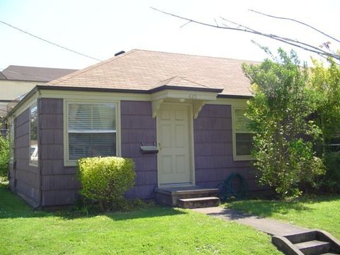 524 C St, Springfield, OR 97477
