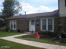 28315 Greenbriar Way, Brownstown Township, MI 48183