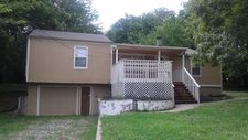 405 Bellemere Rd, Blue Springs, MO 64015