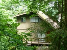 868 S 71st St, Springfield, OR 97478