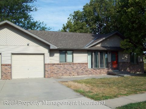 1011 N 23rd Ave, Blair, NE 68008