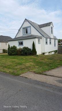 1819 Pierce St, Aliquippa, PA 15001