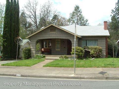 1222 Nw Lawnridge Ave, Grants Pass, OR 97526