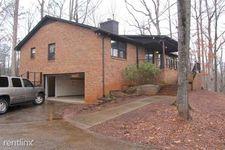 7071 Stephens Ct, Morrow, GA 30260