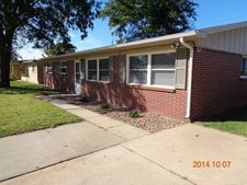 5812 Hemlock Dr, Great Bend, KS 67530