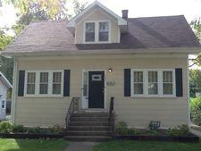 227 E Maple Ave, Villa Park, IL 60181