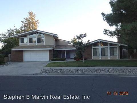 450 Fairway Dr, Palmdale, CA 93551