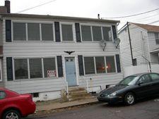 231 W Sherman St Apt 3, Mcadoo, PA 18237