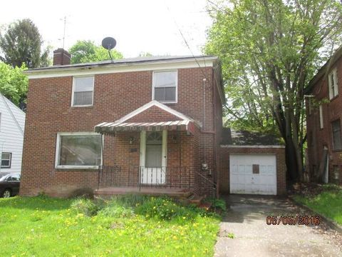 45 Roslyn Dr, Youngstown, OH 44505