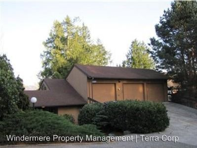 16404 Fairway Dr, Burlington, WA 98233