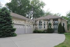 5064 Greenwood Ct, Shawnee, KS 66216