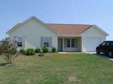 114 Willowbend Dr, Burgaw, NC 28425