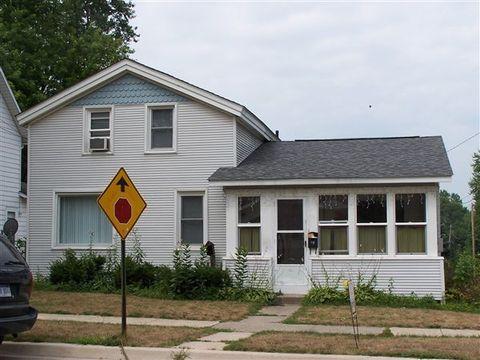 118 N Maple Grove Ave, Hudson, MI 49247