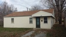 229 S Central Ave, Wood River, IL 62095