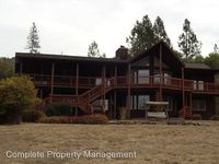 735 Forest Hills Dr, Rogue River, OR 97537